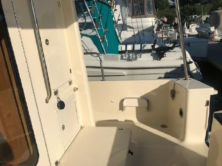 Mainship 34 Hardtop Trawler image