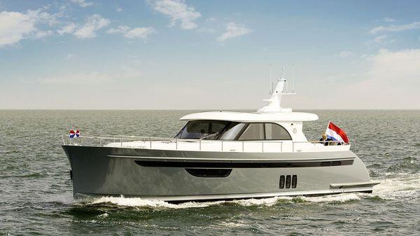 Steeler NG 57 S Actual boat underway