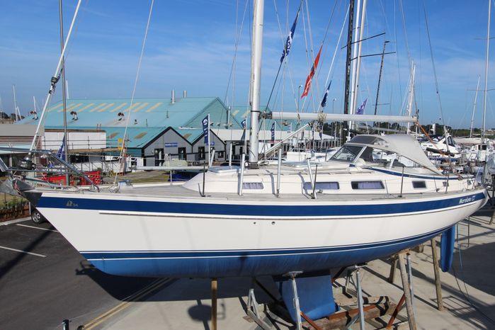 1999 Hallberg-Rassy 34 Hamble, Hampshire - Transworld Yachts