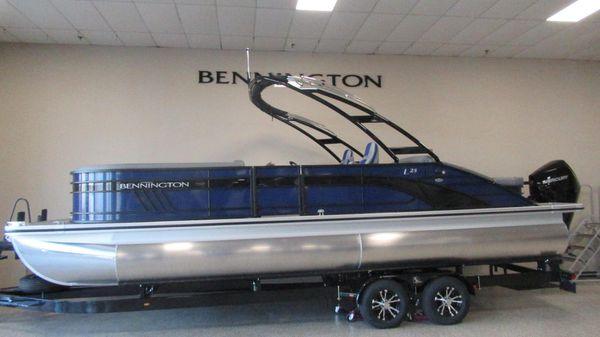 Bennington 25 LSBA
