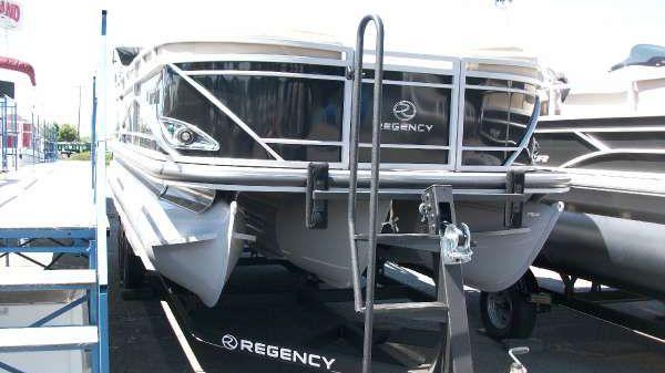 Regency Boats 220 LE3