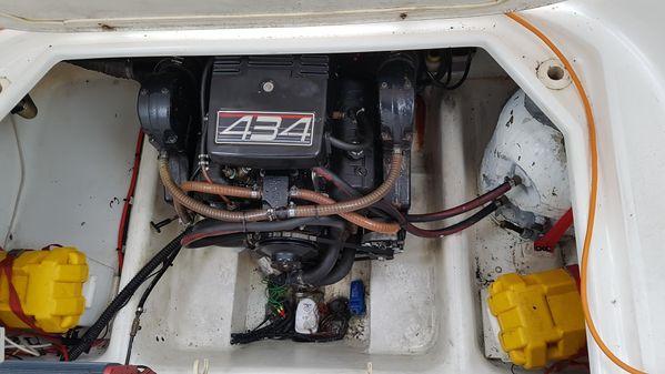 Sealine 230S image