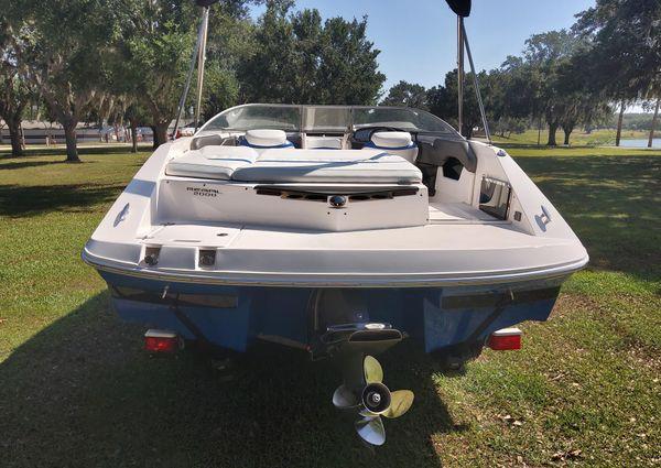 Regal 2000 Bowrider image