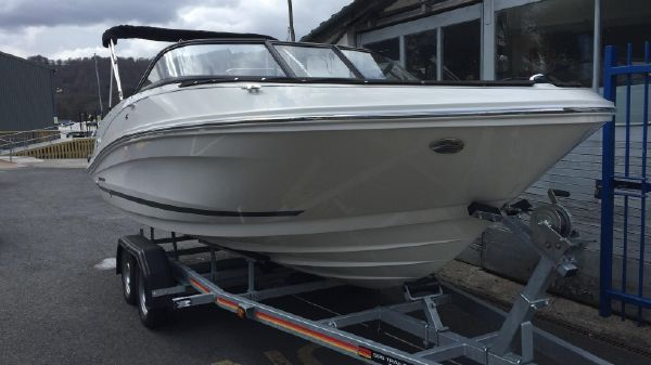 Bayliner VR5 with SBS Trailer