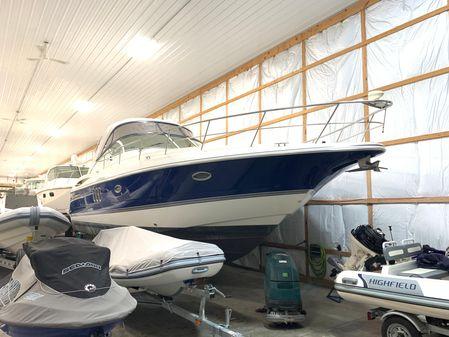 Cruisers Yachts 420 Express - BLUE HULL image