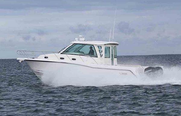 2022 Boston Whaler 345 Conquest Pilothouse