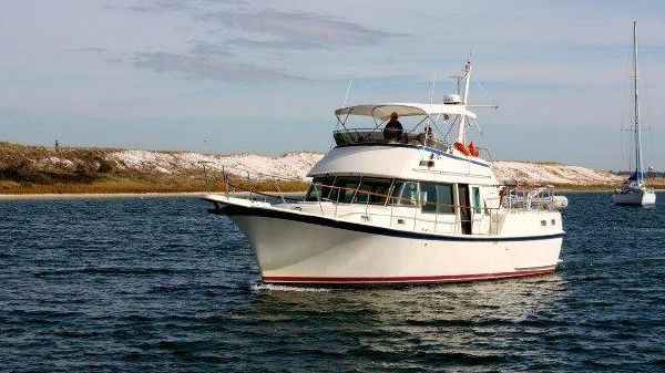 Hatteras LRC Profile_Port Bow