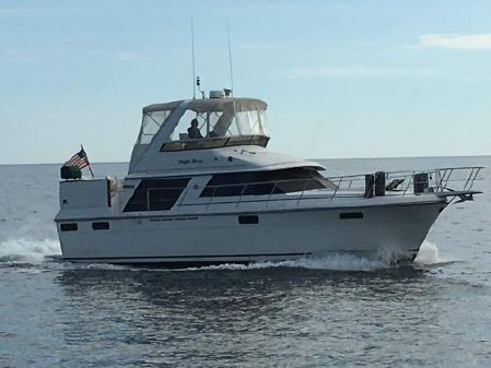 Carver Motor Yacht image