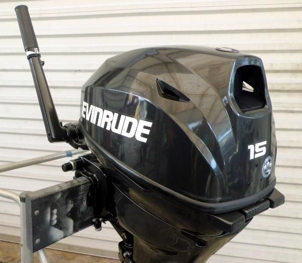 Evinrude 2017 Evinrude 15hp 15 inch Shaft 4-Stroke Rope Start with Tiller This Engine Has Low Hours and a Full 5 Year Factory Warranty