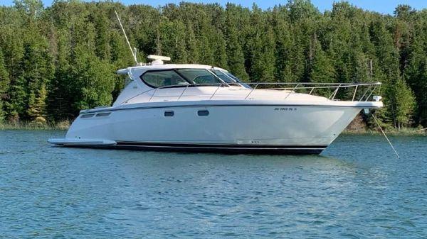 Tiara Yachts 43 Sovran