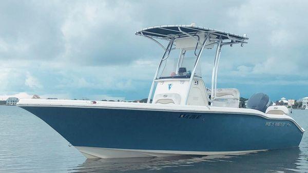 Key West 211 Bluewater CC