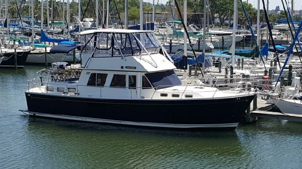 Sabre 43 Motor Yacht