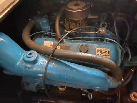 Carver 32 Montego image