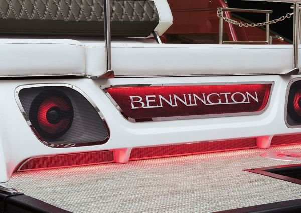 Bennington QX 28 Quad Bench image