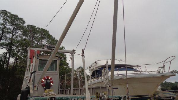 Custom Barge, Crane