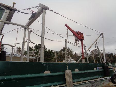 Custom Barge, Crane image