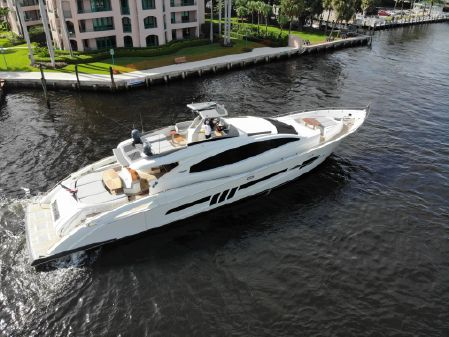 Lazzara Yachts 92 LSX image