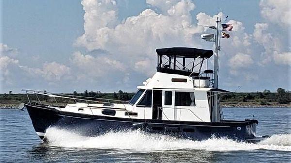 Legacy Yachts 40 Sedan