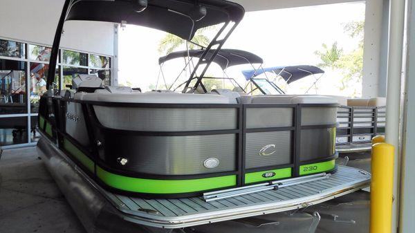 Crest Caliber 230 SLR2 Pontoon 2017 Crest Caliber 230 SLR2 Pontoon Boat