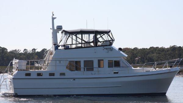 Symbol 42 Sundeck Trawler