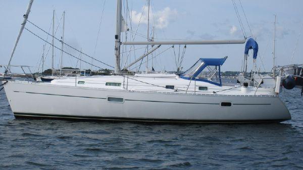 Beneteau 361 Hull profile port