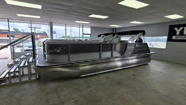 Bentley Pontoons 223 Elite Rear Lounger