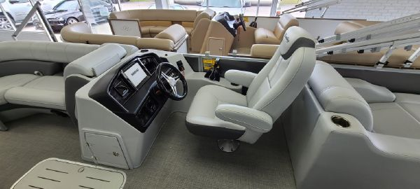 Bentley Pontoons 223 Elite Rear Lounger image