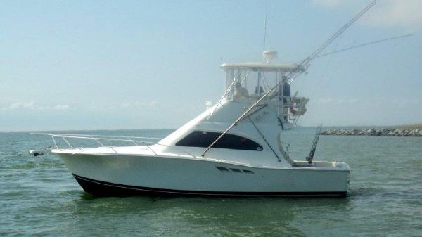 Luhrs Tournament 360 Convertible 36 Luhrs 00