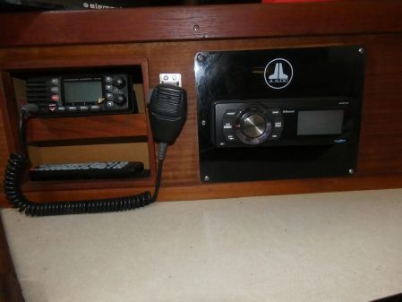 Sea Ray 340 Express Cruiser image