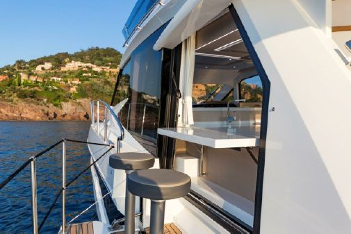 Galeon 460 Fly image