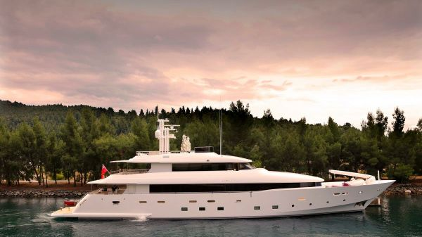 Custom Avangard Yachts 2014