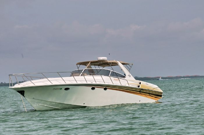 2003 Fountain 48 Express Cruiser