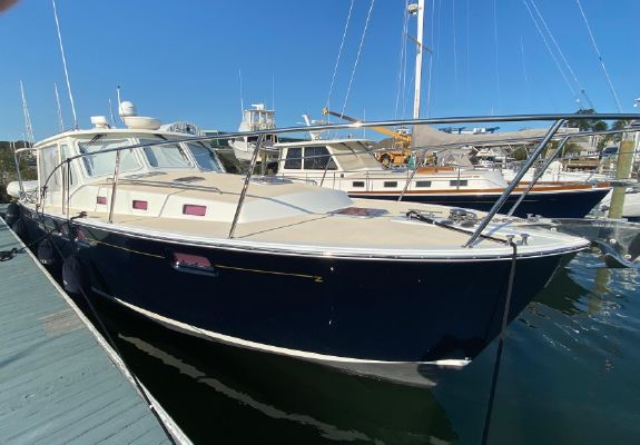 MJM Yachts 40z Express - main image