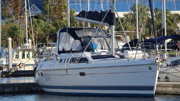 Hunter 450 Passage Starboard side profile