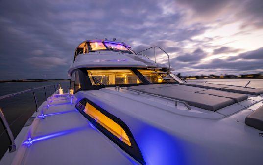Aquila 70 Luxury image