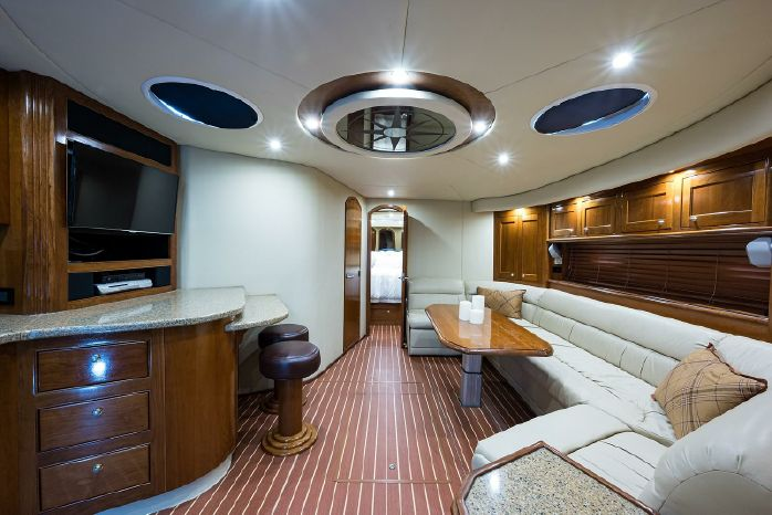 2004 Cruisers Yachts For Sale Brokerage
