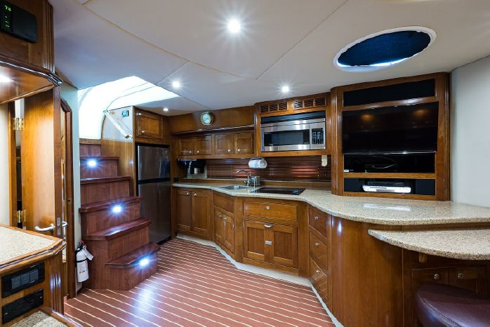 2004 Cruisers Yachts For Sale Broker