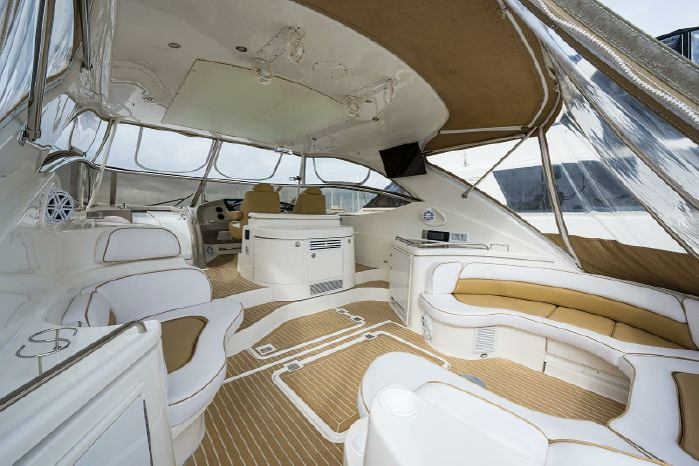 2004 Cruisers Yachts Brokerage Rhode Island