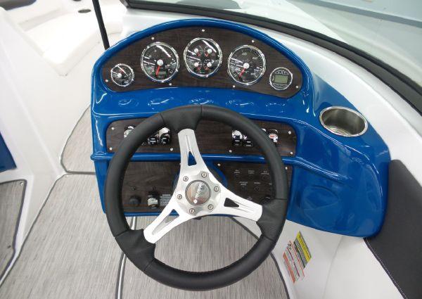 Rinker QX19 BR image