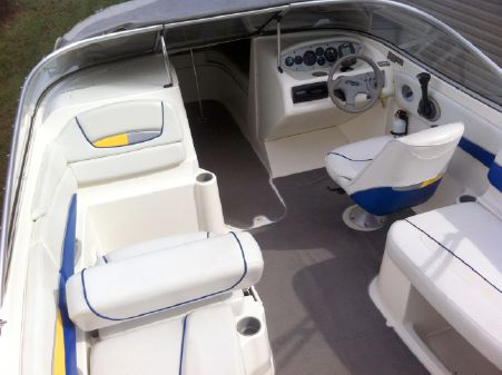 Bayliner 219 Bowrider image