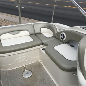 Sea Ray 270 Sundeck image