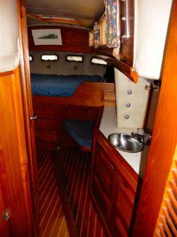 Islander Freeport 41 image