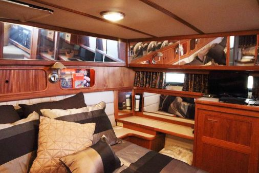 Carver 4207 Aft Cabin MY image