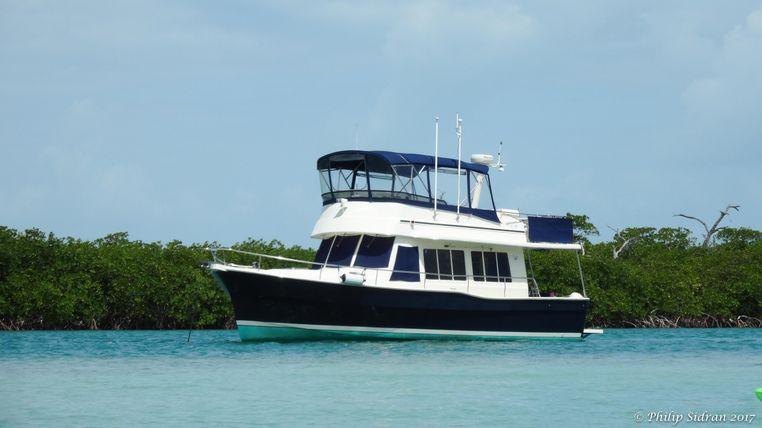 2005 Mainship 400 Trawler