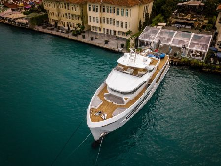 Numarine 32XP Hull #5 - Spring Delivery image