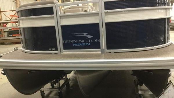 Bennington 21 SSXP