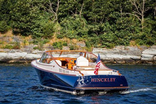 Hinckley Runabout 34 image