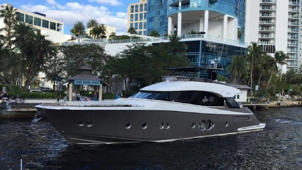 Monte Carlo Yachts MCY 76
