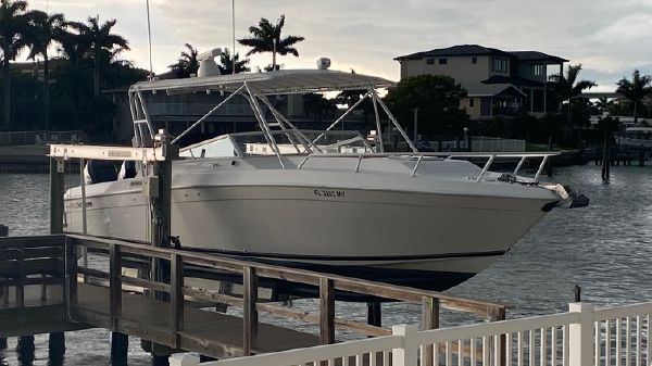 Contender 35 Express Side Console