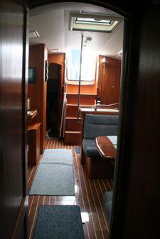Hunter 44 Deck Salon image